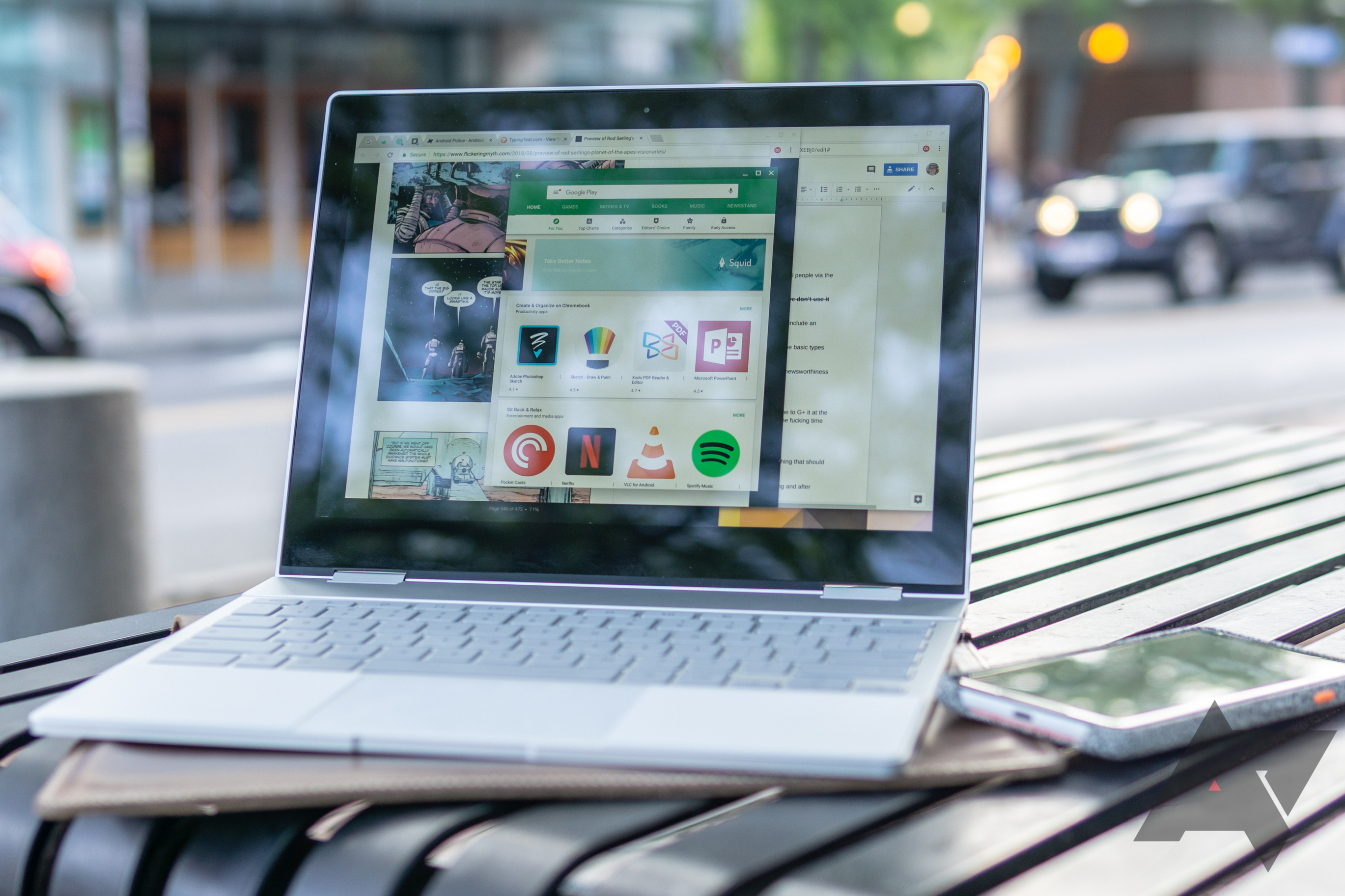 Chrome OS might get a touchpad gesture to move between virtual desktops