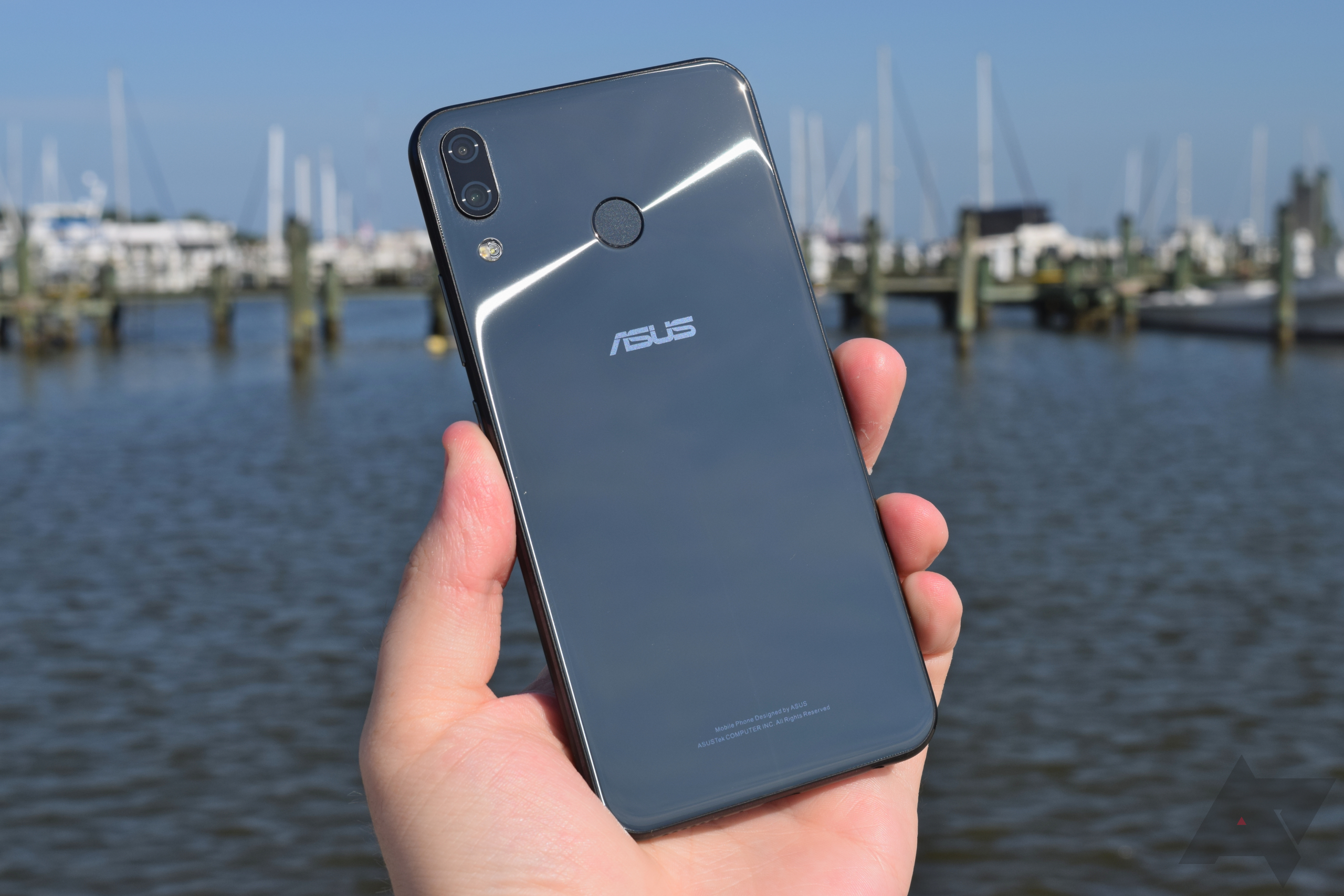 Asus Zenfone 5Z review: As good as it is, buy a OnePlus 6 ...