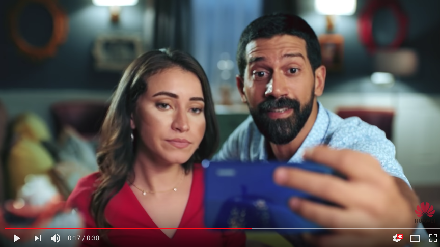Huawei Nova 3 Smartphone Commercial Shows Fake Selfies Taken by DSLR