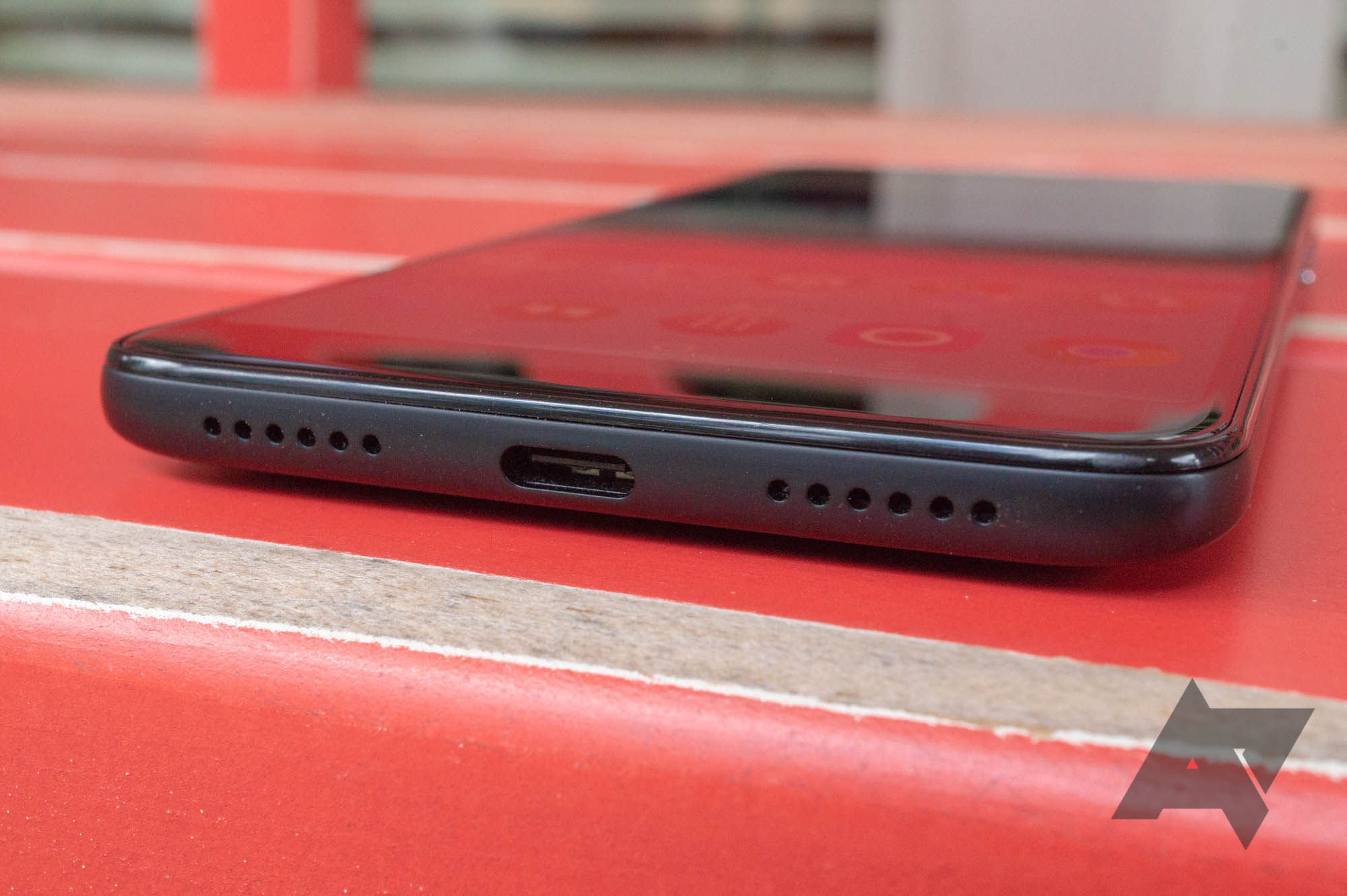 Alcatel 7 review: A decent budget phone with one major drawback