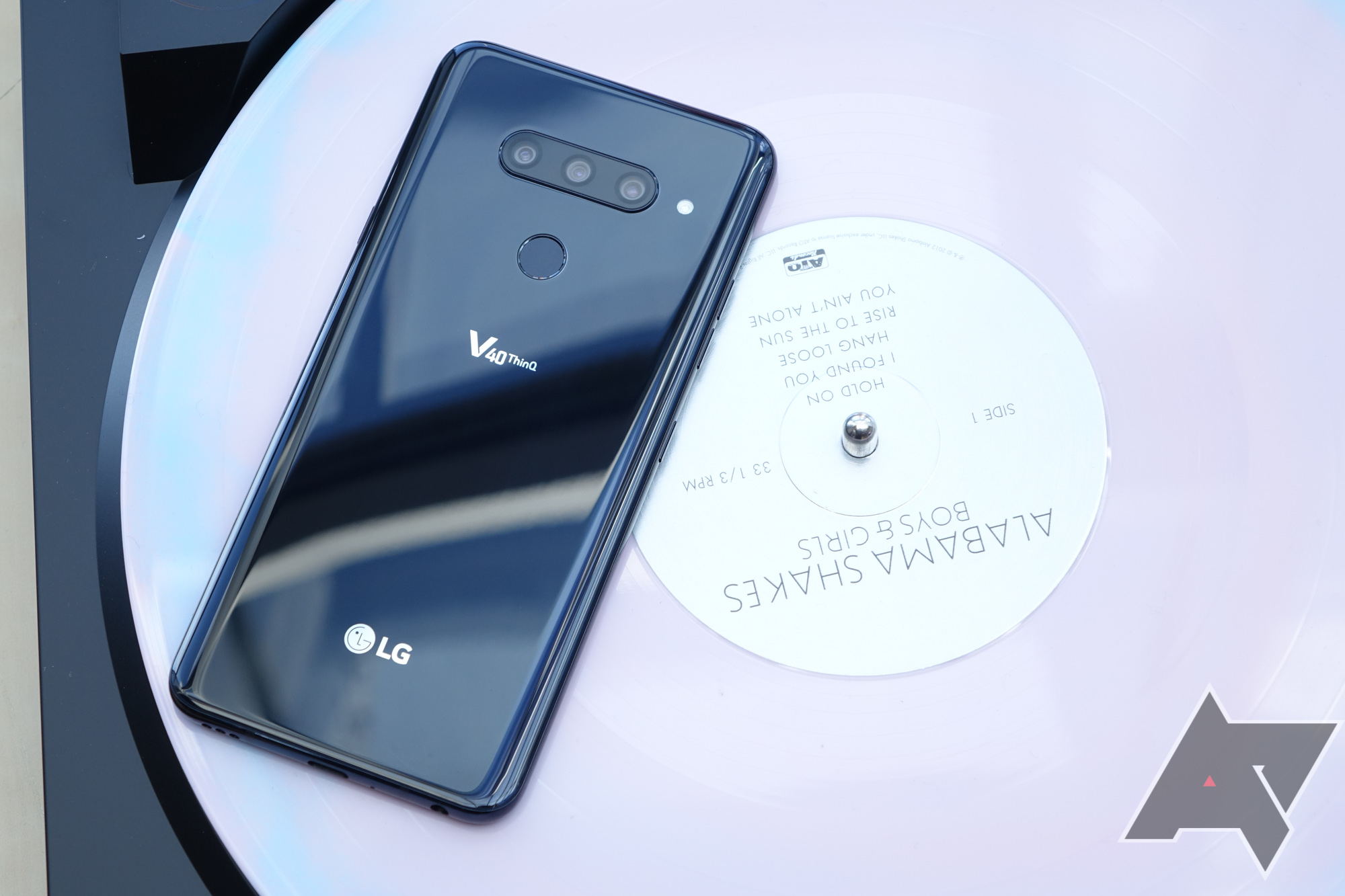 LG V40 ThinQ with 6.4-inch OLED Display & Five Cameras Launched » PhoneRadar