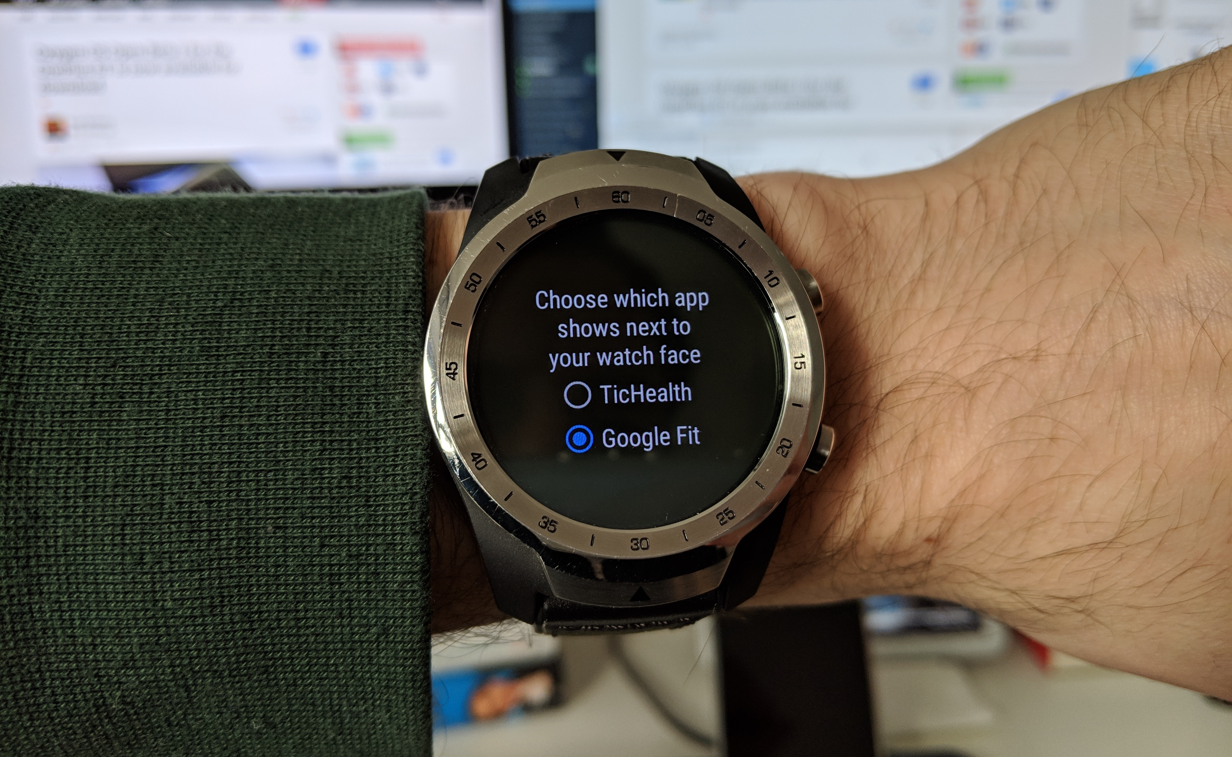 TicWatch users can now set Google Fit as their default left swipe app