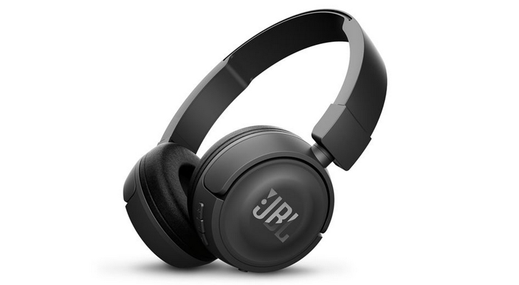 JBL's T450BT Bluetooth headphones are $30 ($20 off) right now