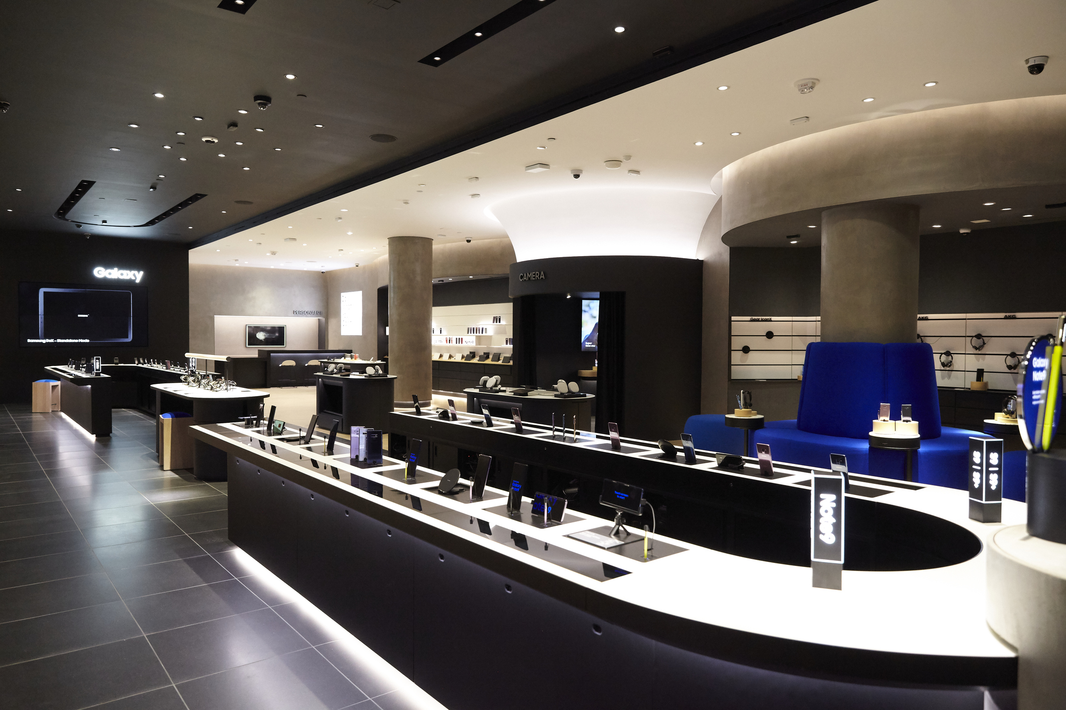 Samsung will open three new Experience Stores in the US