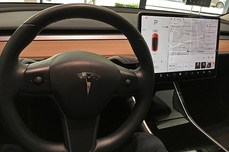Tesla's in-car web browser is switching to Chromium