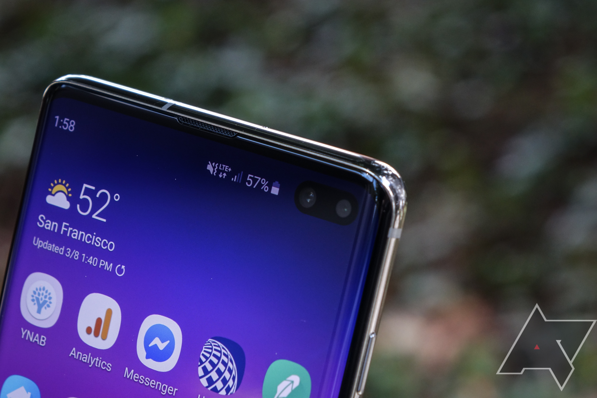 Android 11 makes 'waterfall' curved-edge screens less frustrating to use - Android Police