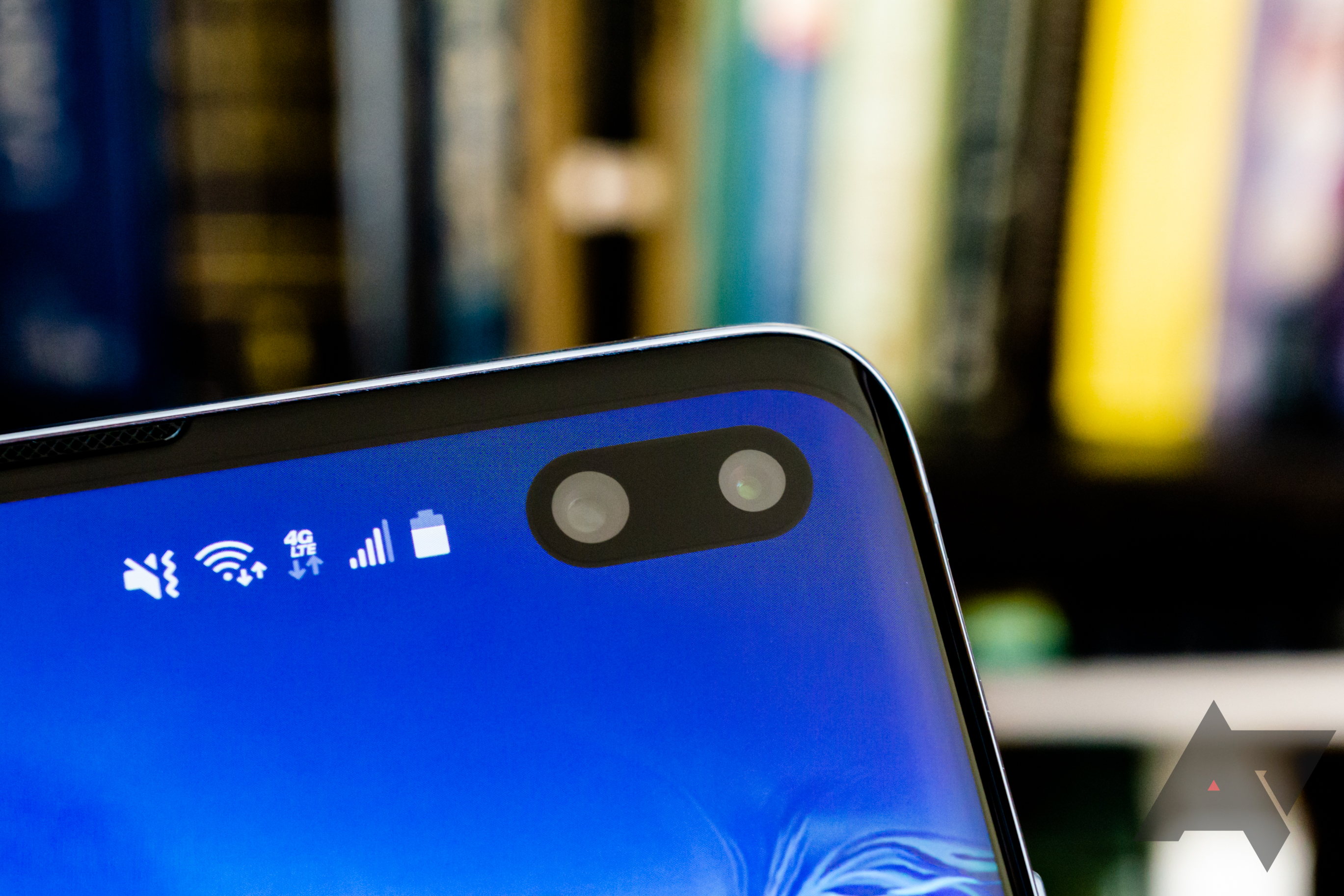 Samsung Galaxy S10 face unlock can be fooled by a photo, video, or even your sister