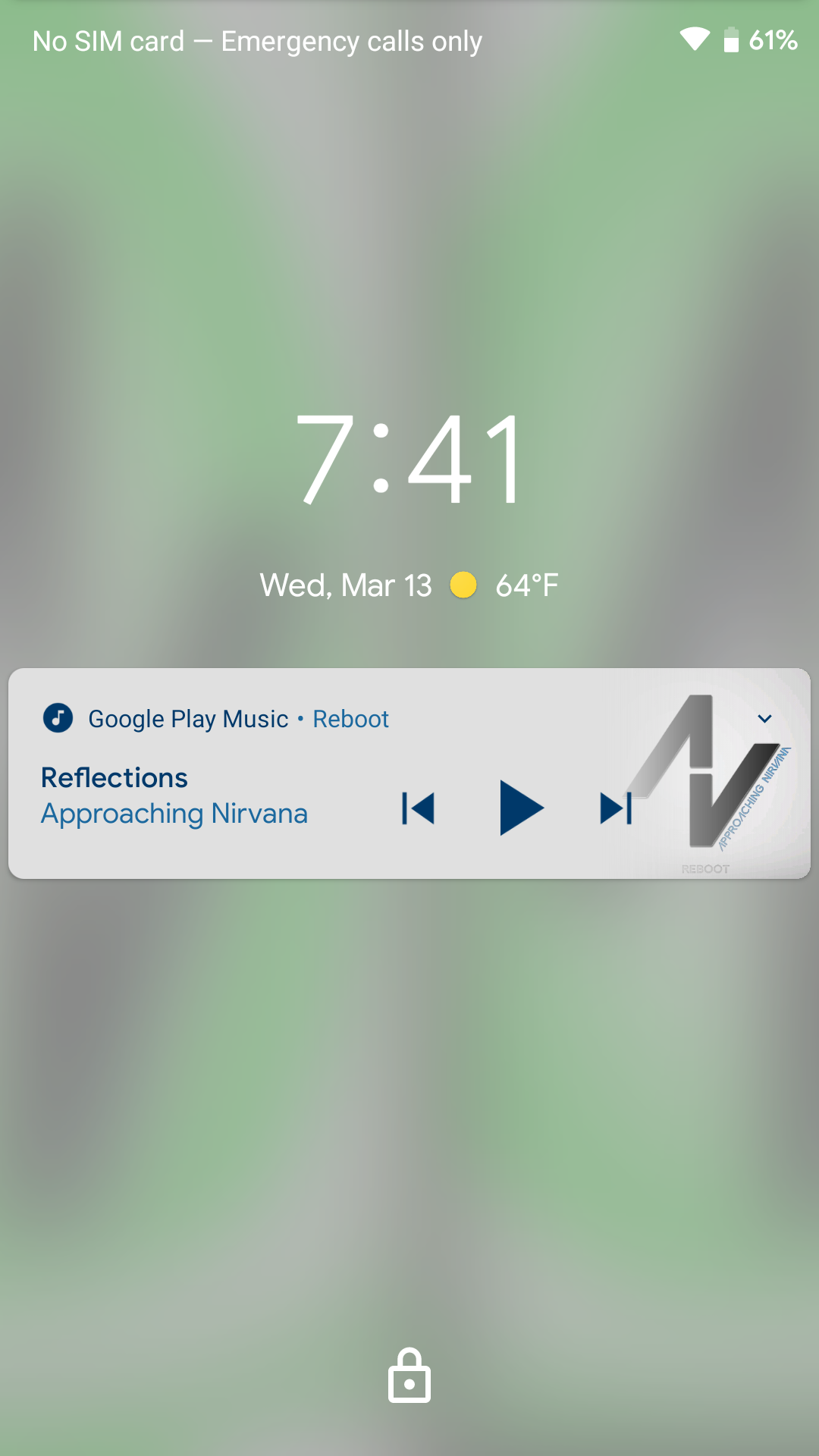 Update: Bug with Play Music] Android Q uses blurred lock screen