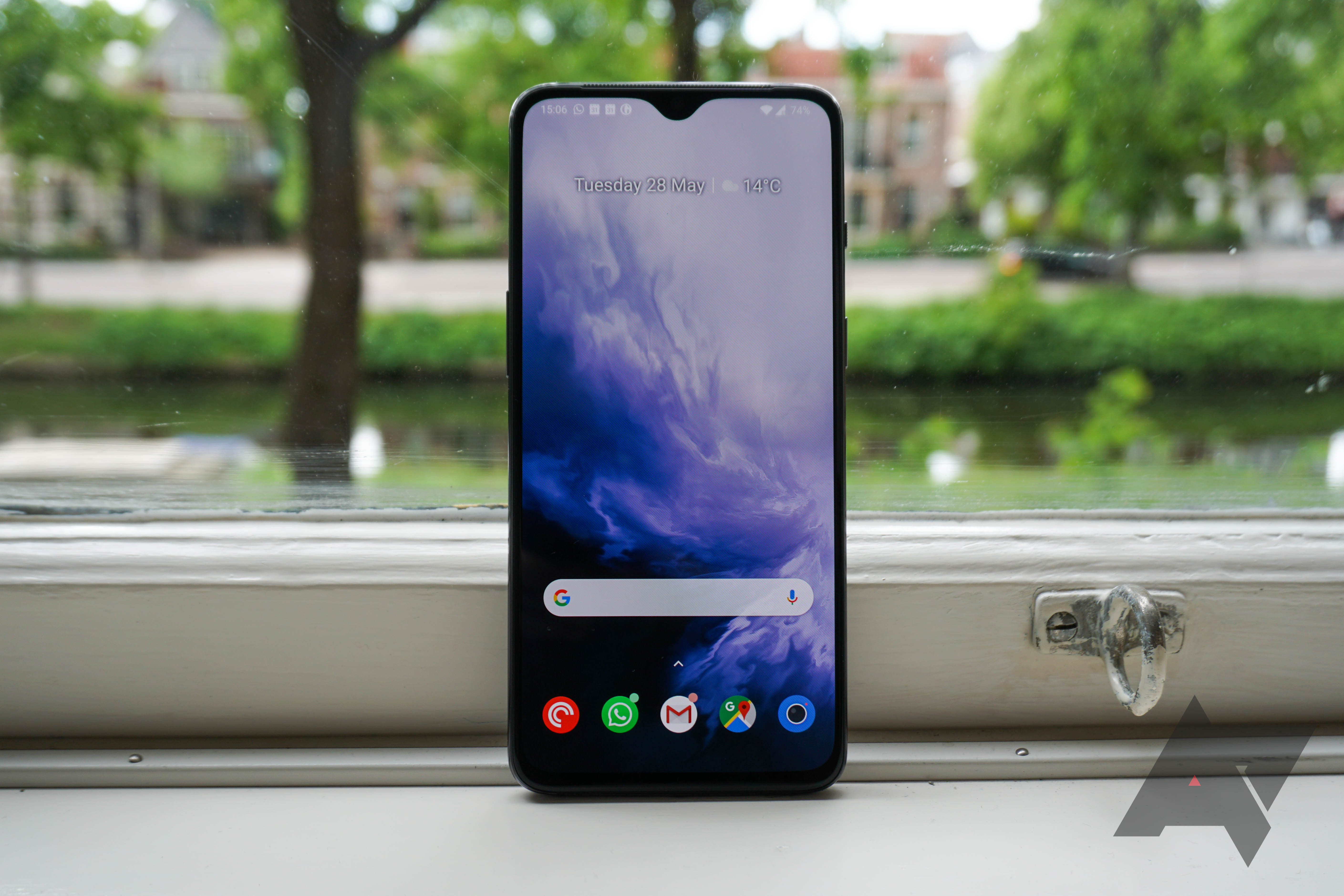 OnePlus 7 drops to £459 (£90 off) on Amazon, OnePlus 6T is £335 (£194 off)