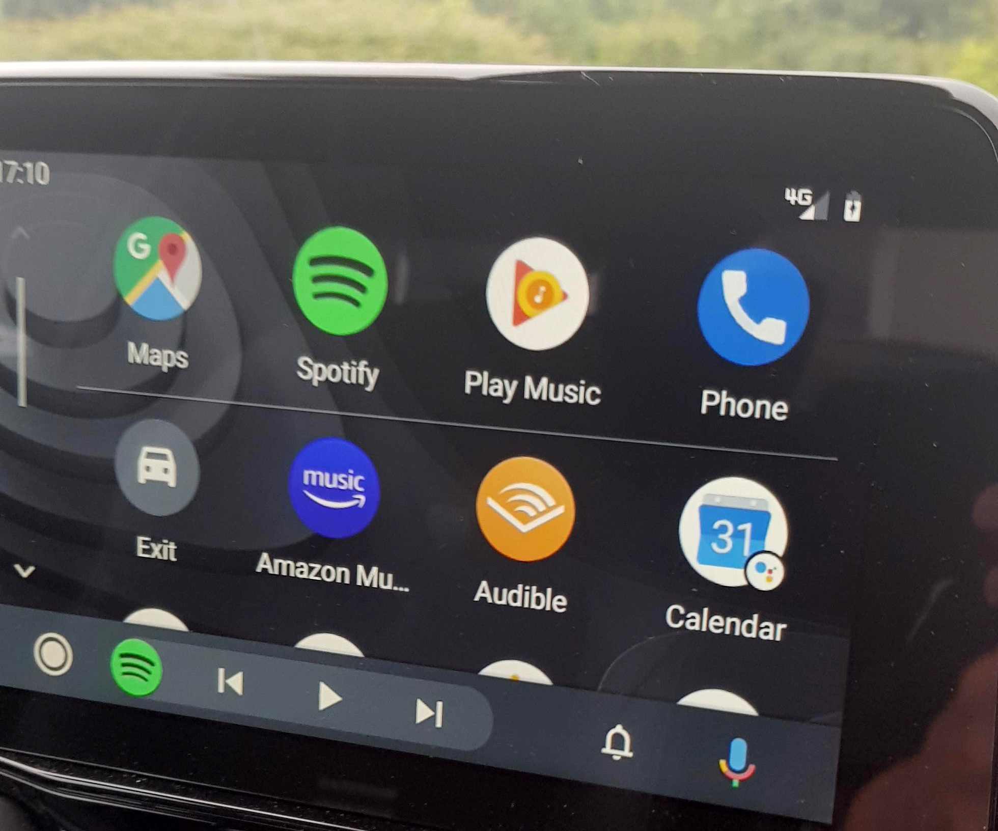 Update: Google says not yet] Android Auto's fresh new interface is