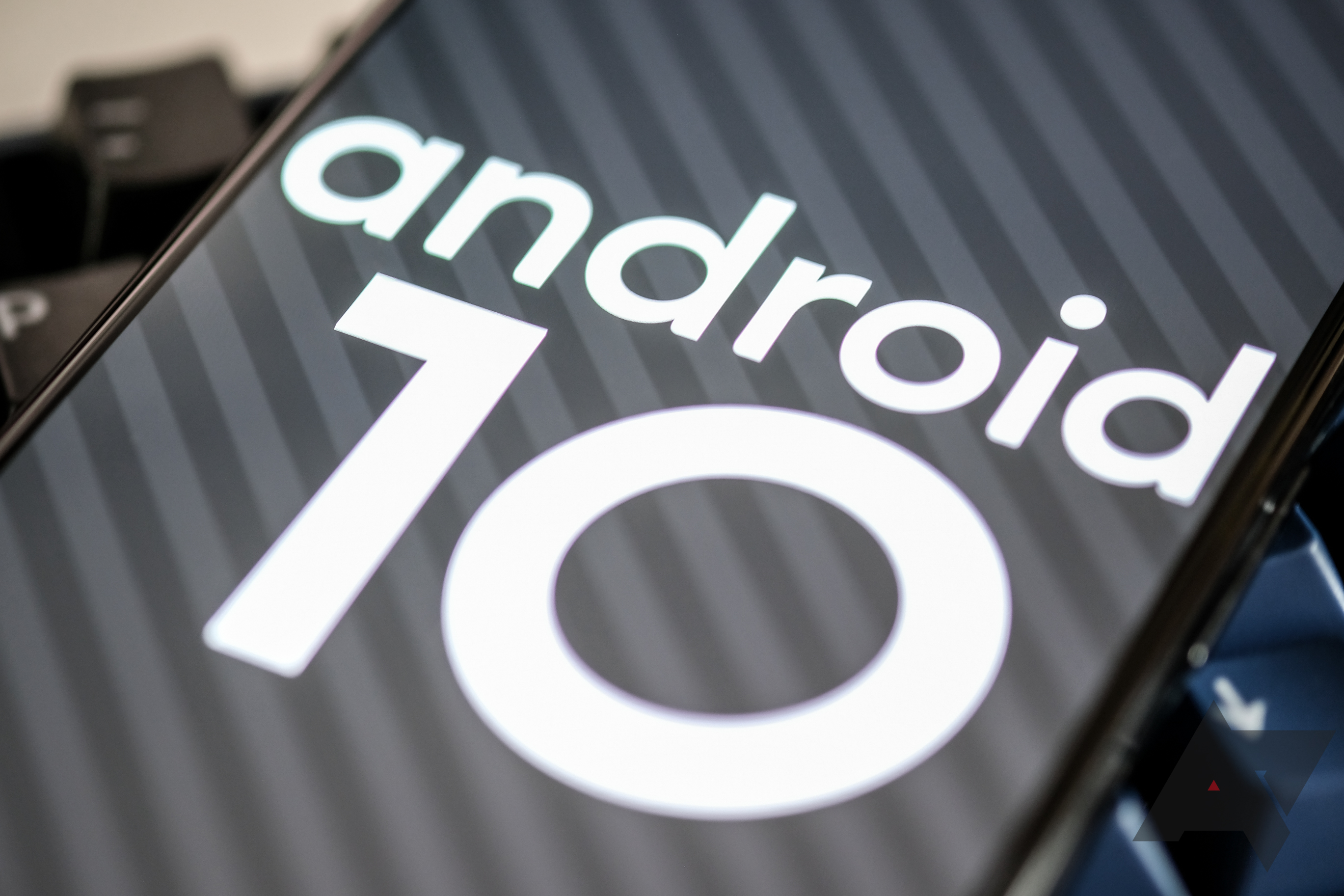 Android 10 no longer uses Chrome app to render in-app web content