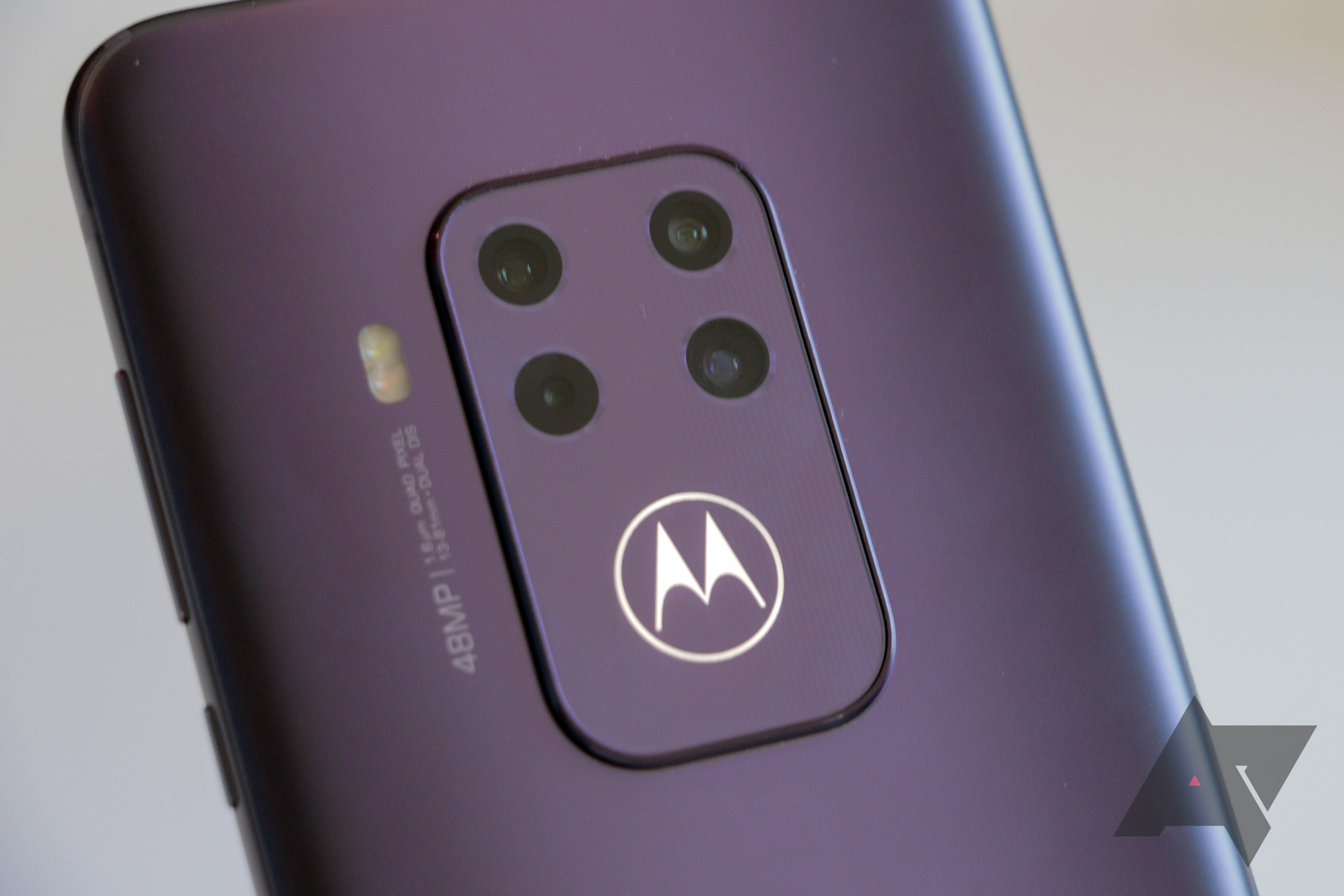 Moto One Zoom already $50 off at Motorola's online store, going for $400