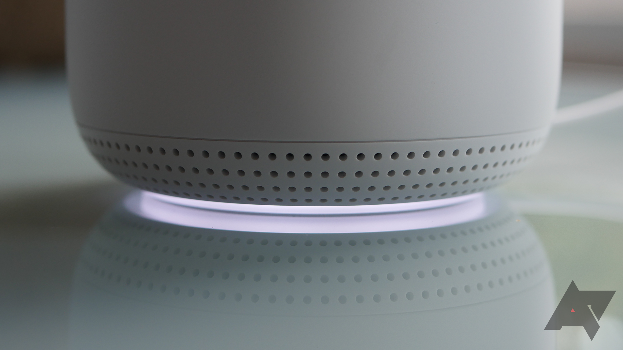Should you buy a WiFi range extender or a mesh router?
