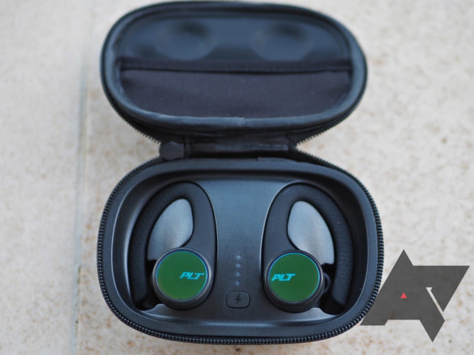 Plantronics BackBeat 3200 review: Stable sports buds that hit all the right notes but one