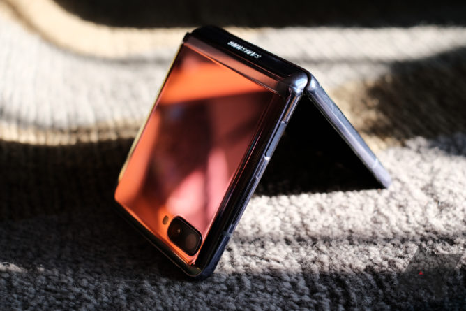 Galaxy Z Flip first impressions: Folding phones have turned the corner - Android Police