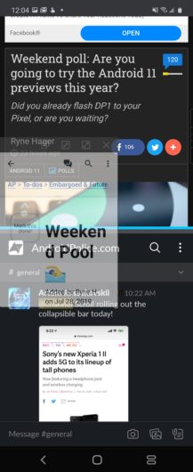 Galaxy Z Flip multitasking with split window and floating apps.