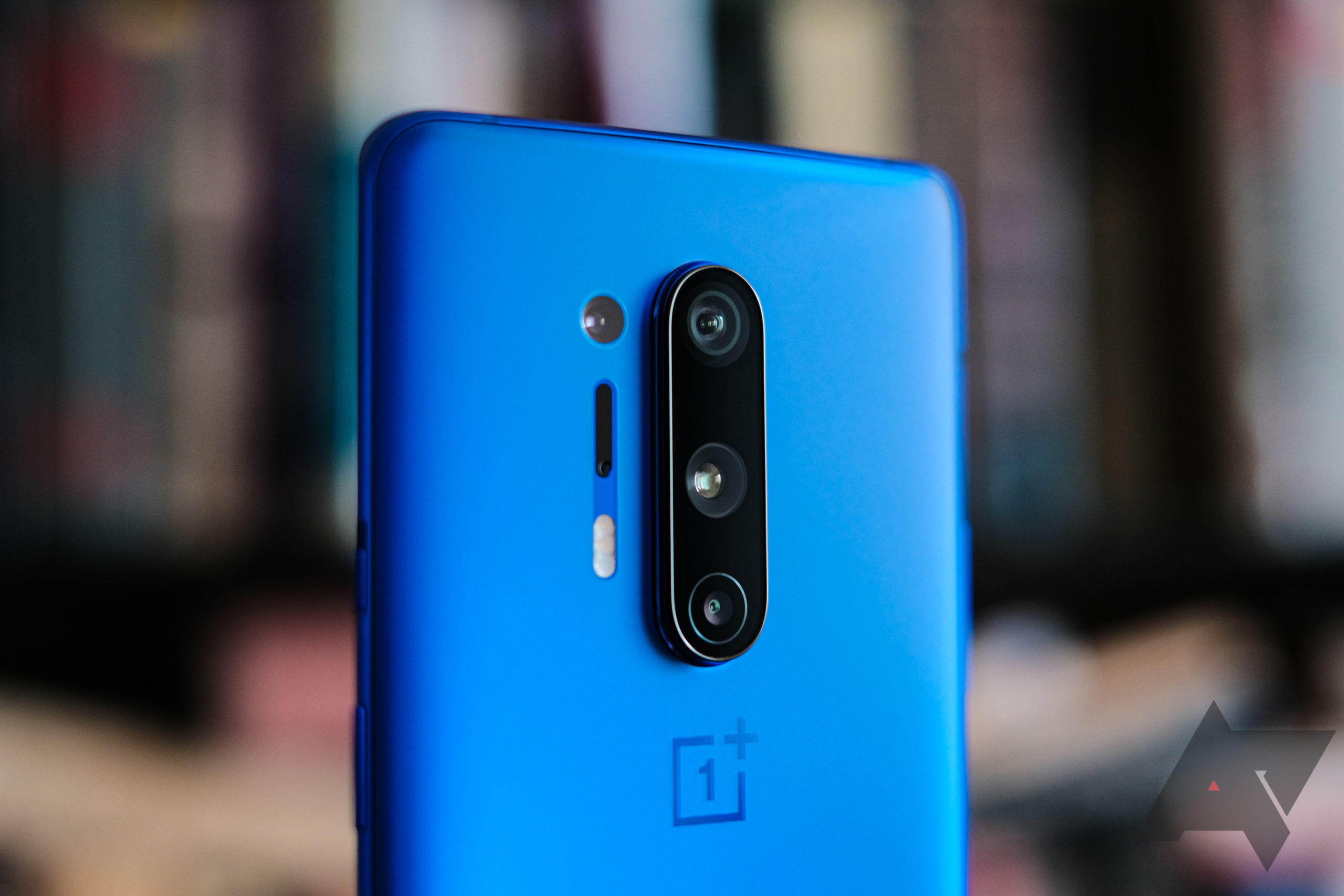 You can now get the OnePlus 8 Pro with OnePlus Buds Z for $699 - Android Police
