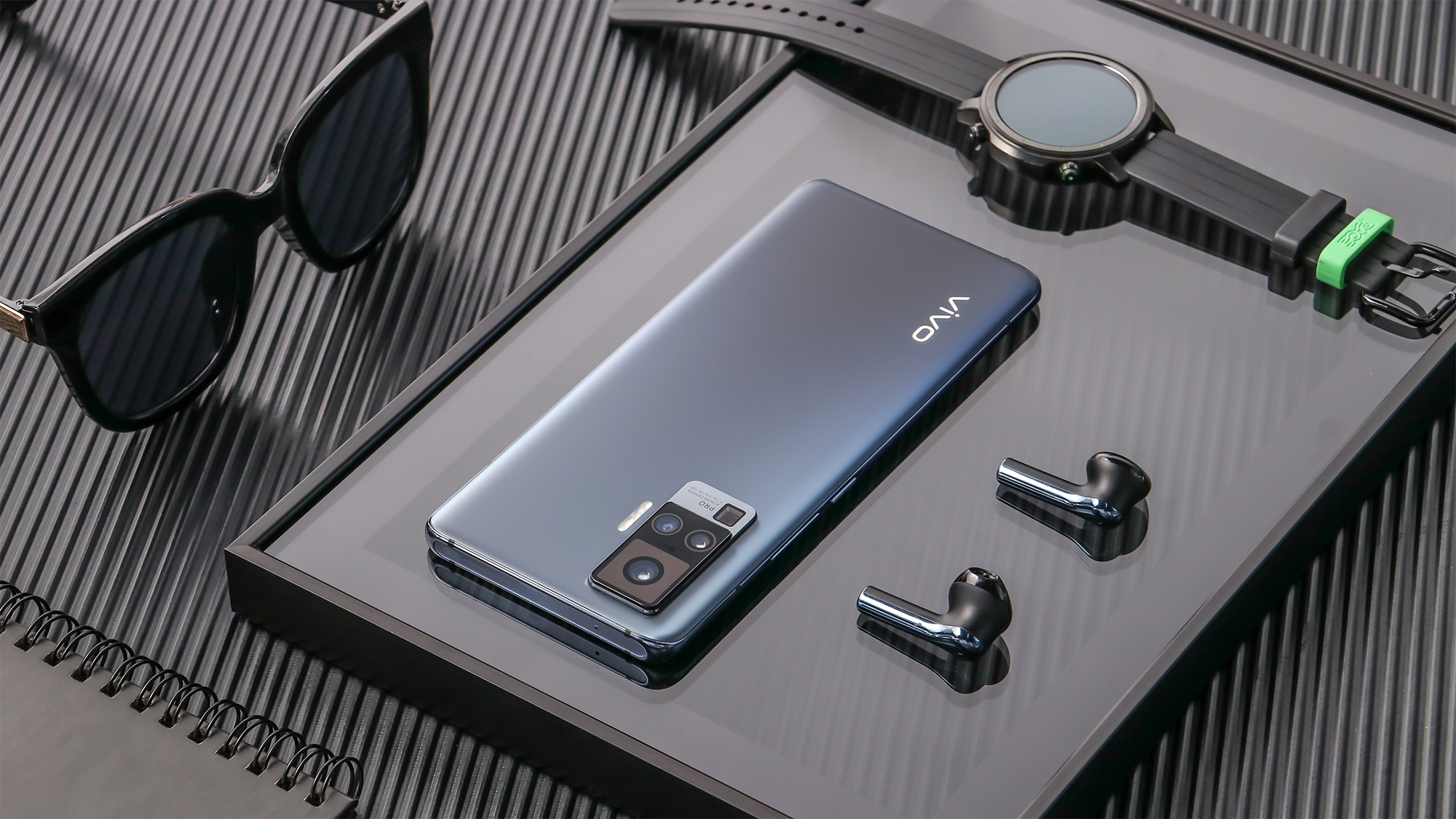 Vivo announces its X50 flagship phones featuring a insane camera module