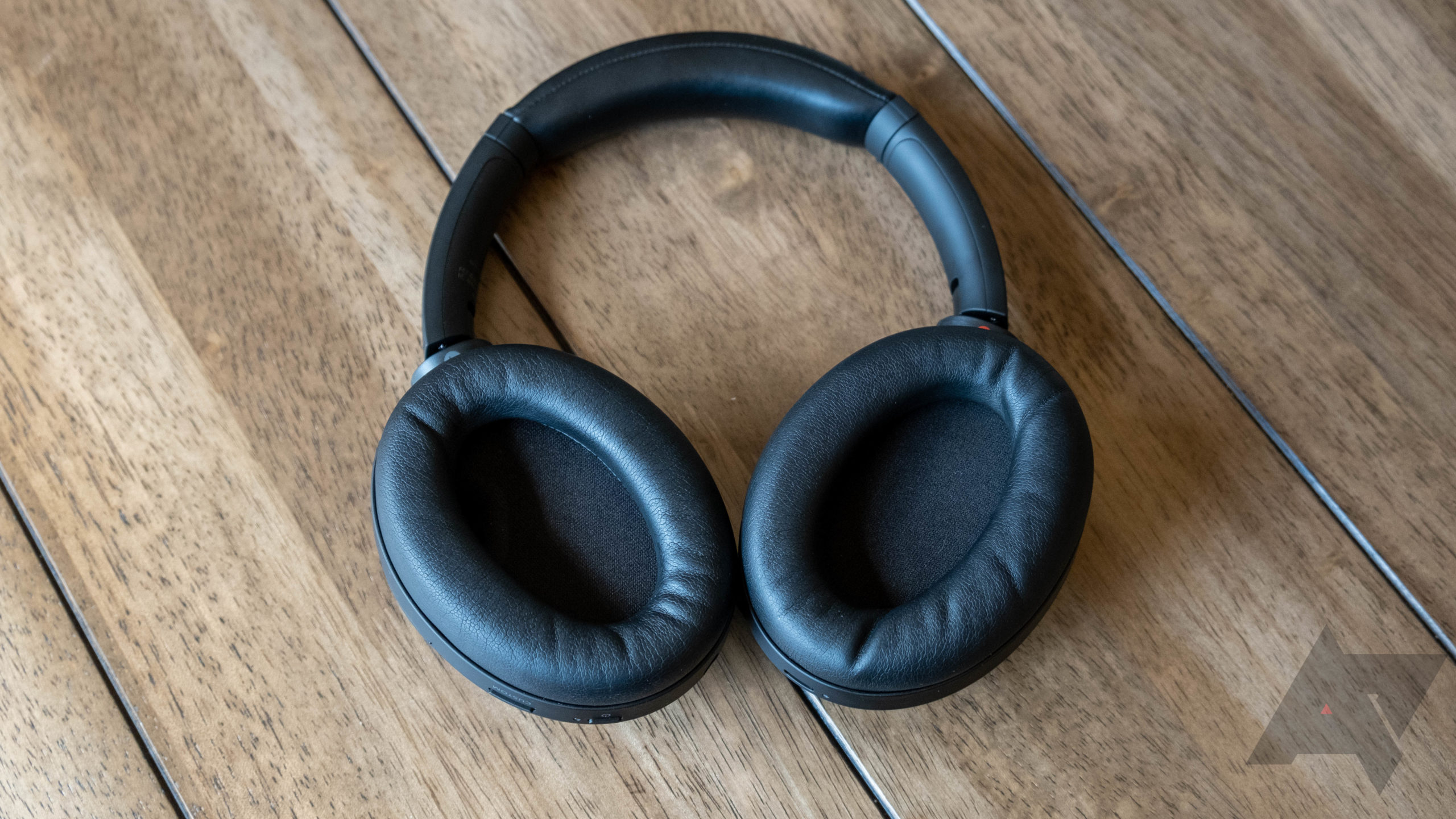 Refurbished Sony WH-1000XM4 ANC headphones are down to $228 ($122 off) thumbnail