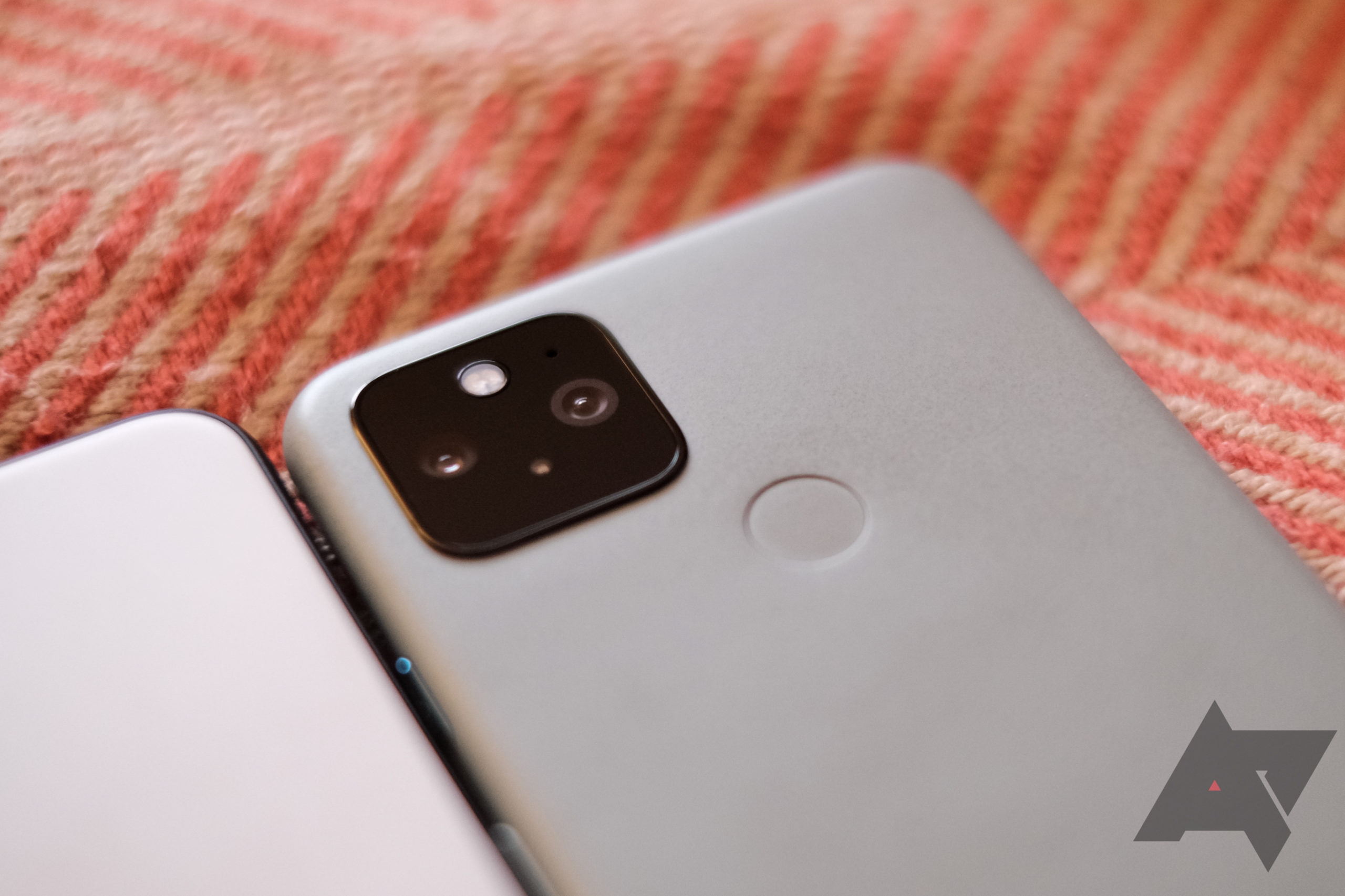 The Pixel 5 hisses after every vibration, and we can't unhear it