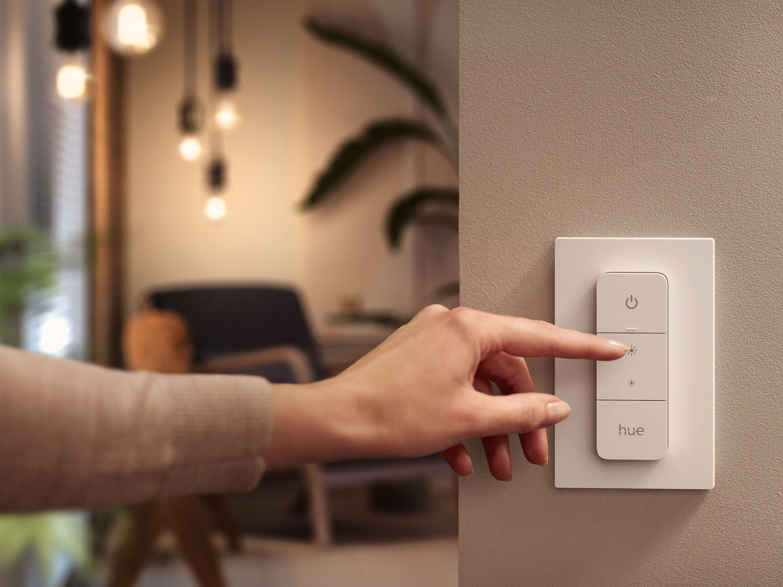 Philips Hue's new wall switch module fixes one of smart lighting's oldest problems 8