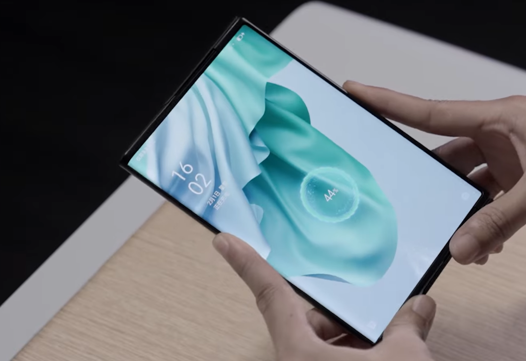Oppo shows off its futuristic Wireless Air Charging tech thumbnail