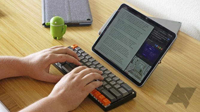 ipad typingb